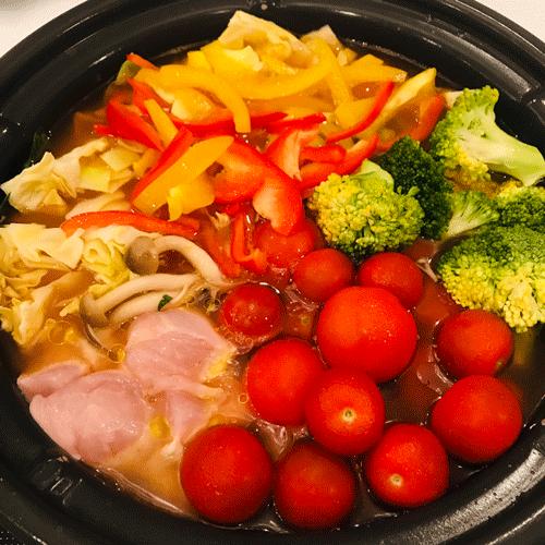 ダイエットにも最適!野菜たっぷりトマト鍋