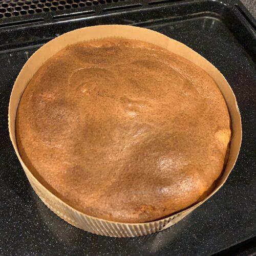 ④ 型に流し込み、180℃に下げたオーブンで30分程焼き、粗熱を取れば完成~。
